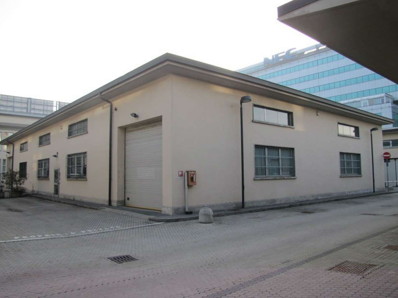 Annunci di magazzini in affitto a milano for Uffici in affitto milano