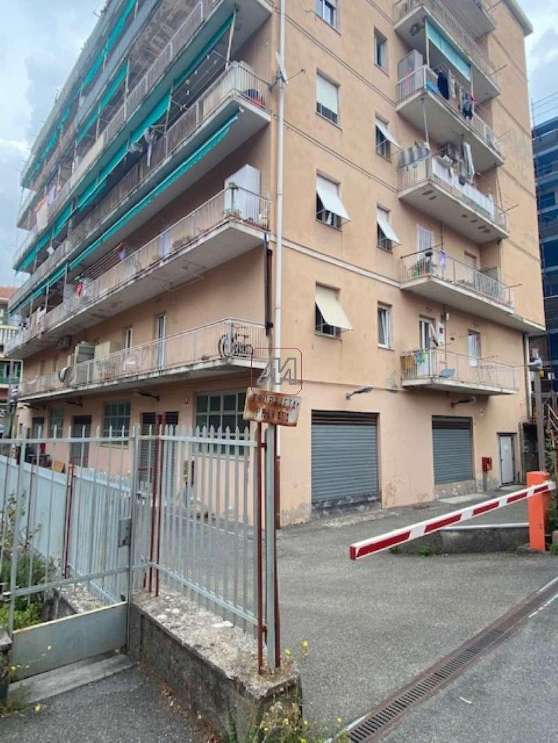 Genova Vendita COMMERCIALI Immagine 2