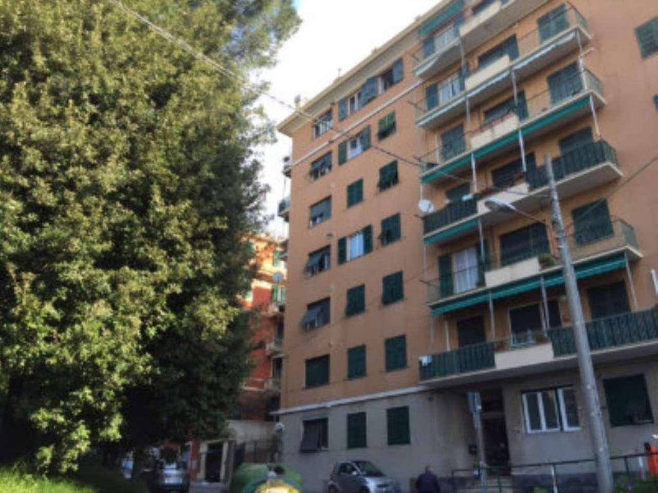 Bilocale Genova Via Reggio 11