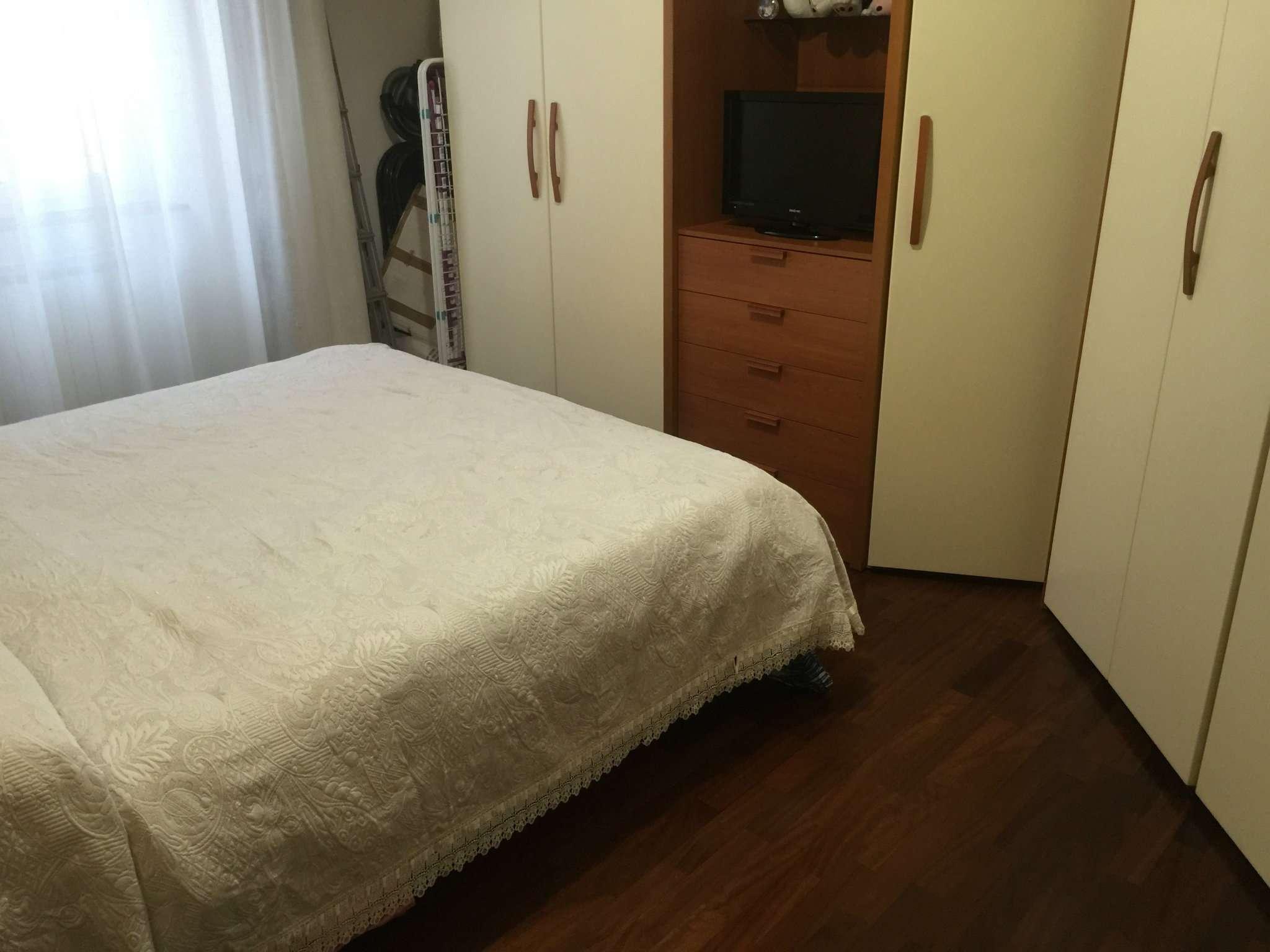 Bilocale Genova Via Vezzani 4