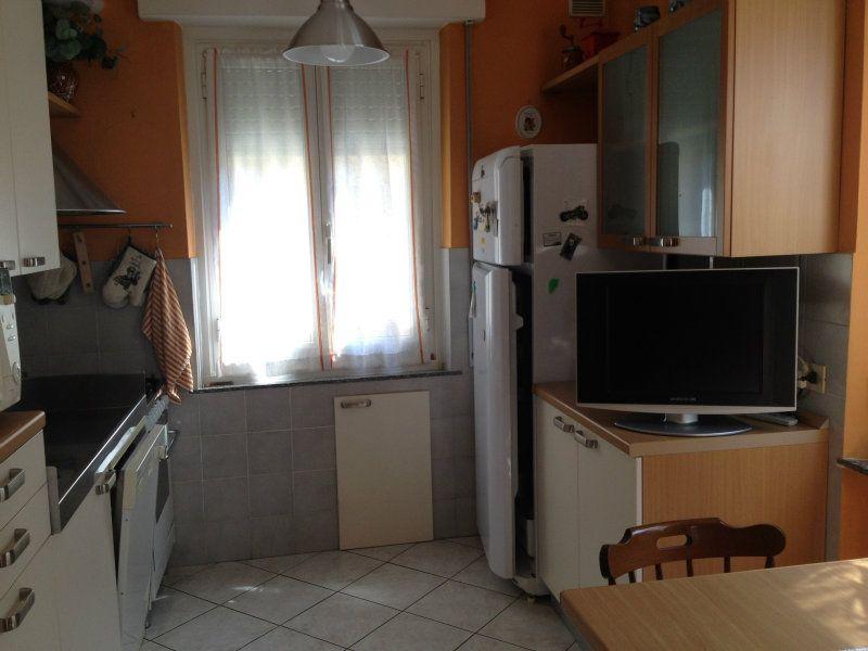 Bilocale Genova Via Compagnoni 8