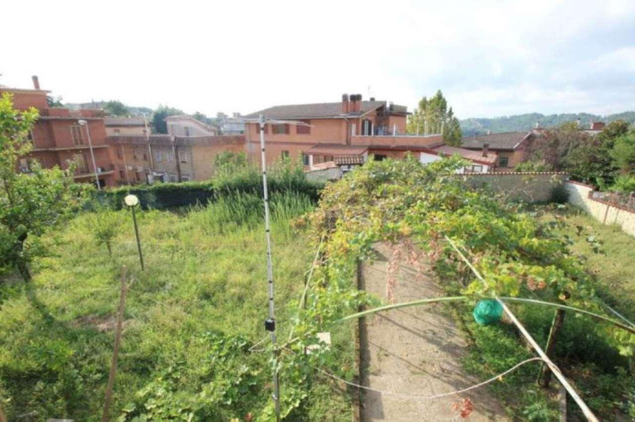 Villa in vendita a Morlupo, 8 locali, prezzo € 275.000 | Cambio Casa.it