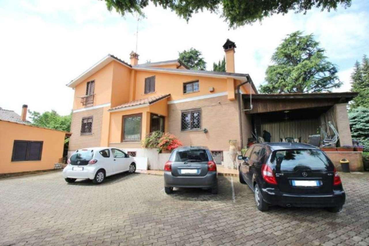 Villa in vendita a Rocca Priora, 12 locali, prezzo € 495.000 | Cambio Casa.it