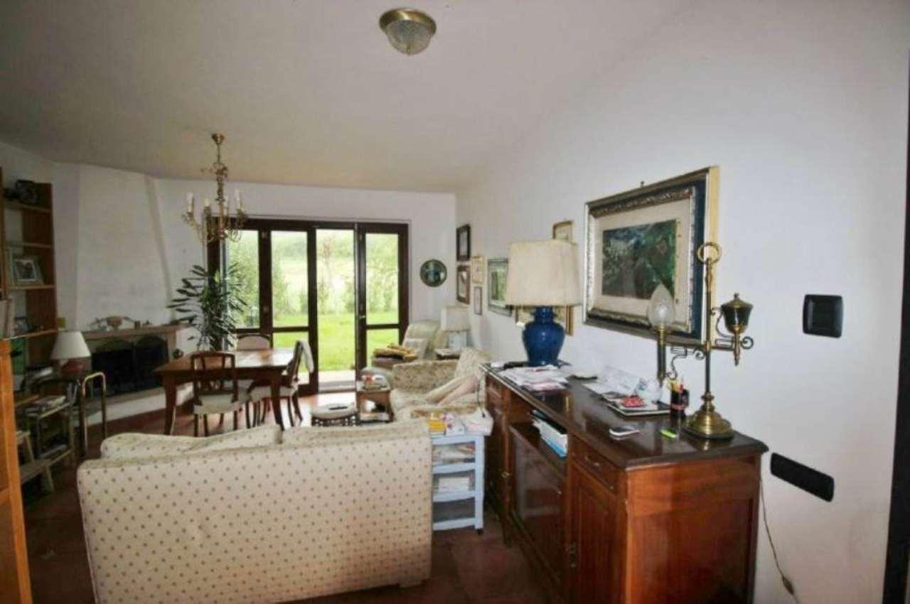Villa in vendita a Monterosi, 5 locali, prezzo € 170.000 | Cambio Casa.it
