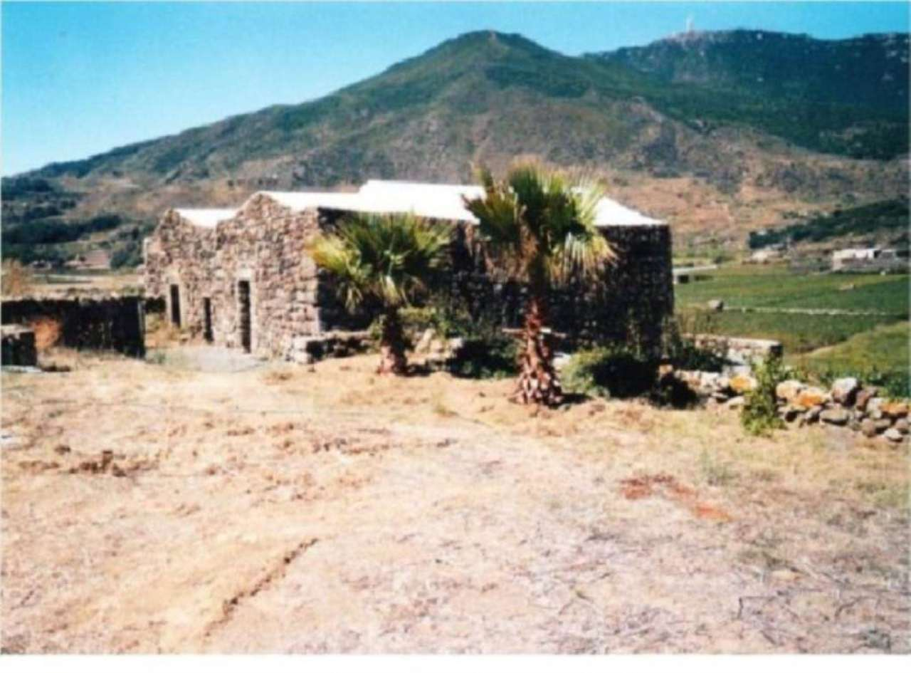 Villa in vendita a Pantelleria, 9999 locali, prezzo € 500.000 | Cambio Casa.it