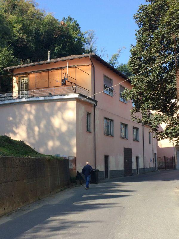 Soluzione Indipendente in vendita a Castelletto d'Orba, 10 locali, prezzo € 108.000 | Cambio Casa.it