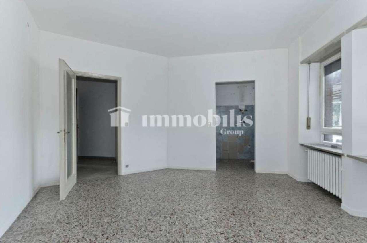 Bilocale Torino Corso Tassoni 9
