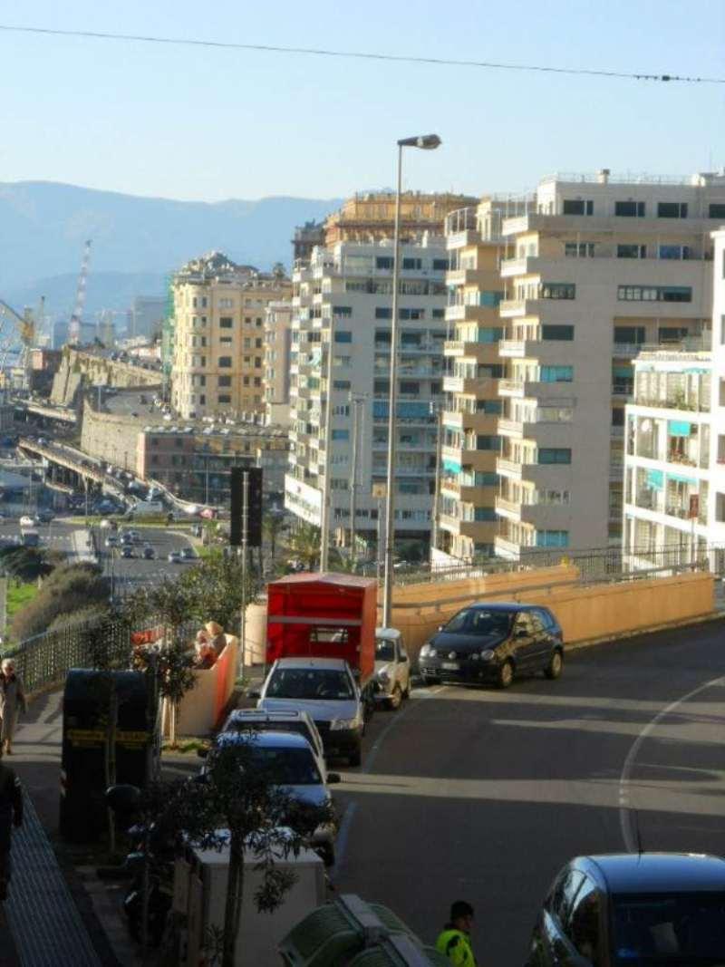 Bilocale Genova Via Nizza 4