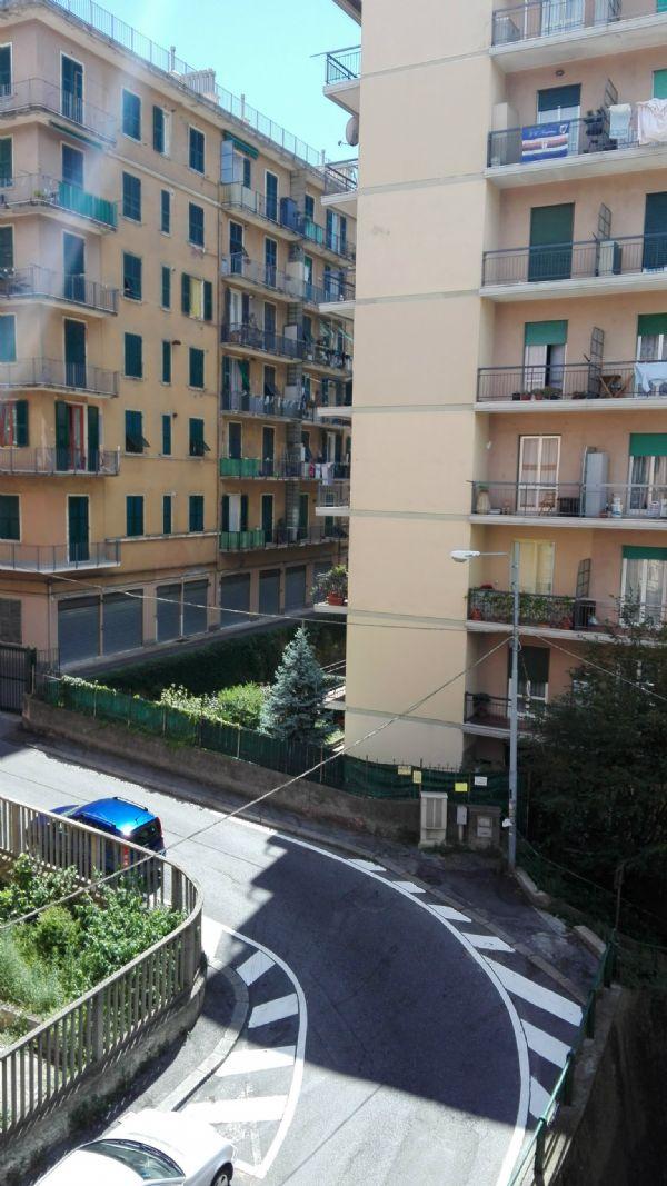 Bilocale Genova Via Biga 12