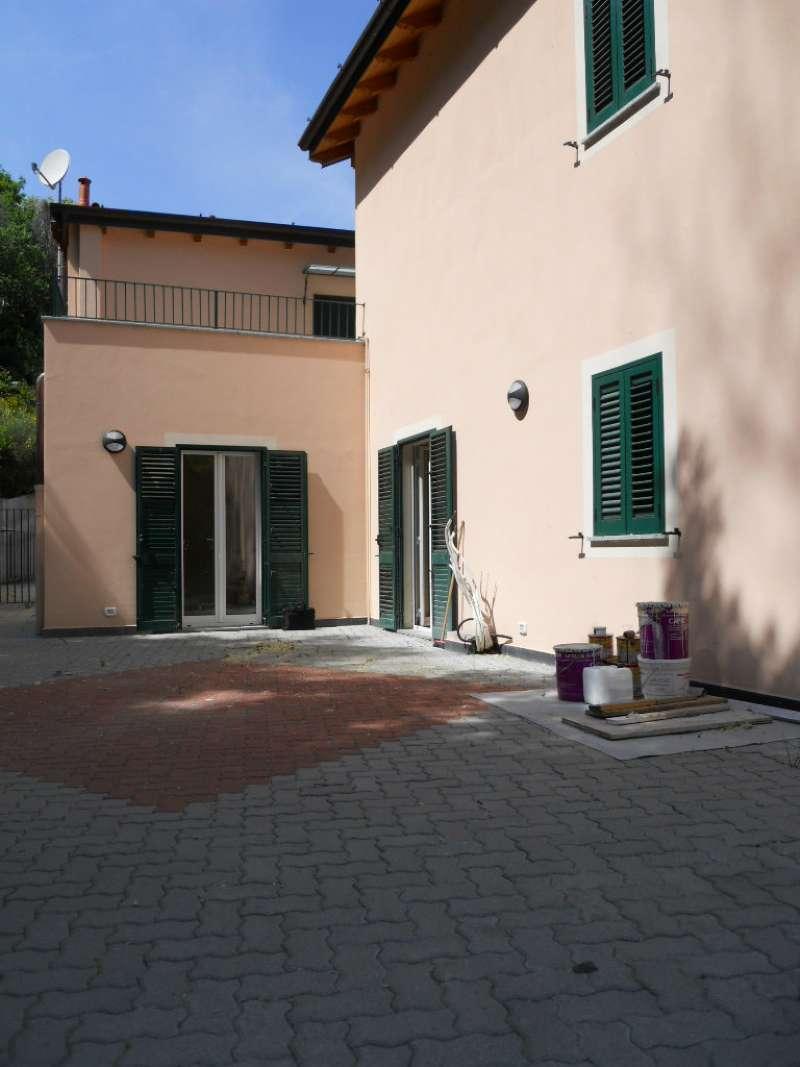 Appartamento in vendita a Serra Riccò, 6 locali, prezzo € 135.000 | Cambio Casa.it