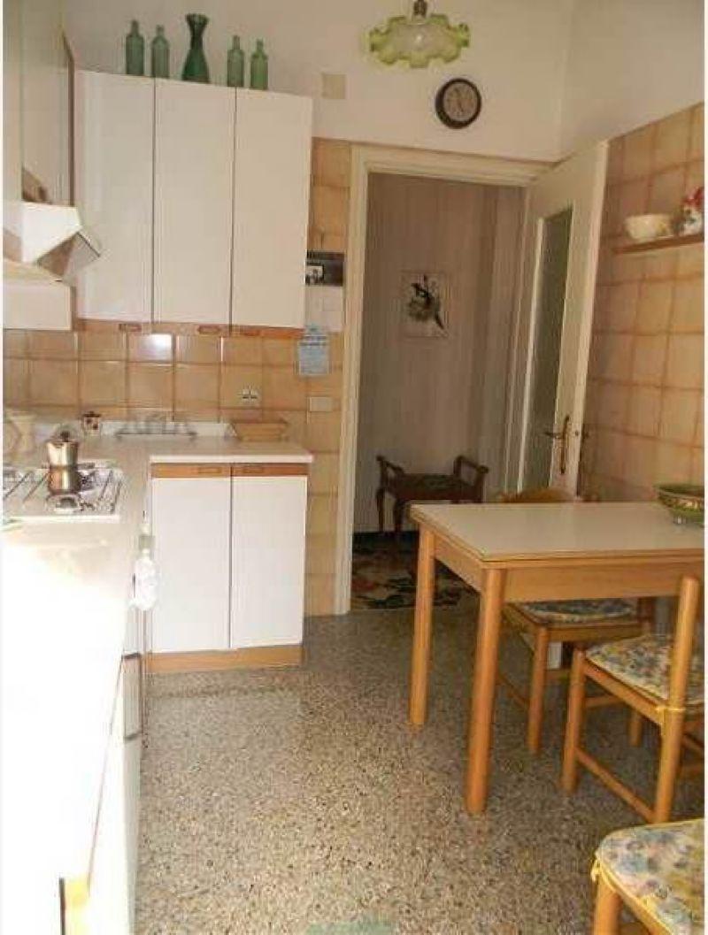 Bilocale Rapallo Via Emiliani 3