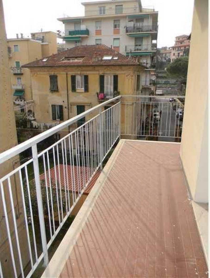 Bilocale Rapallo Via Emiliani 4