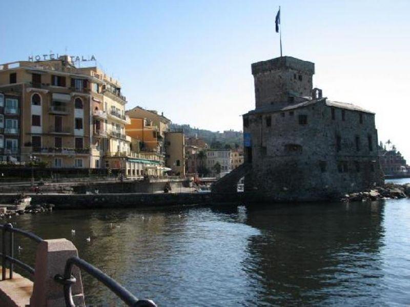 Bilocale Rapallo Via Emiliani 9