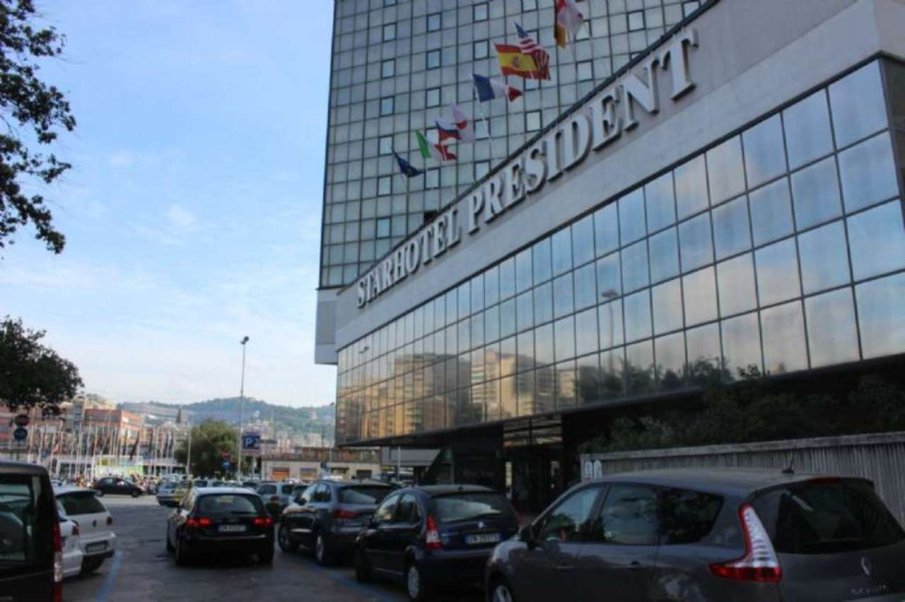 Bilocale Genova Via Duca D'aosta 4