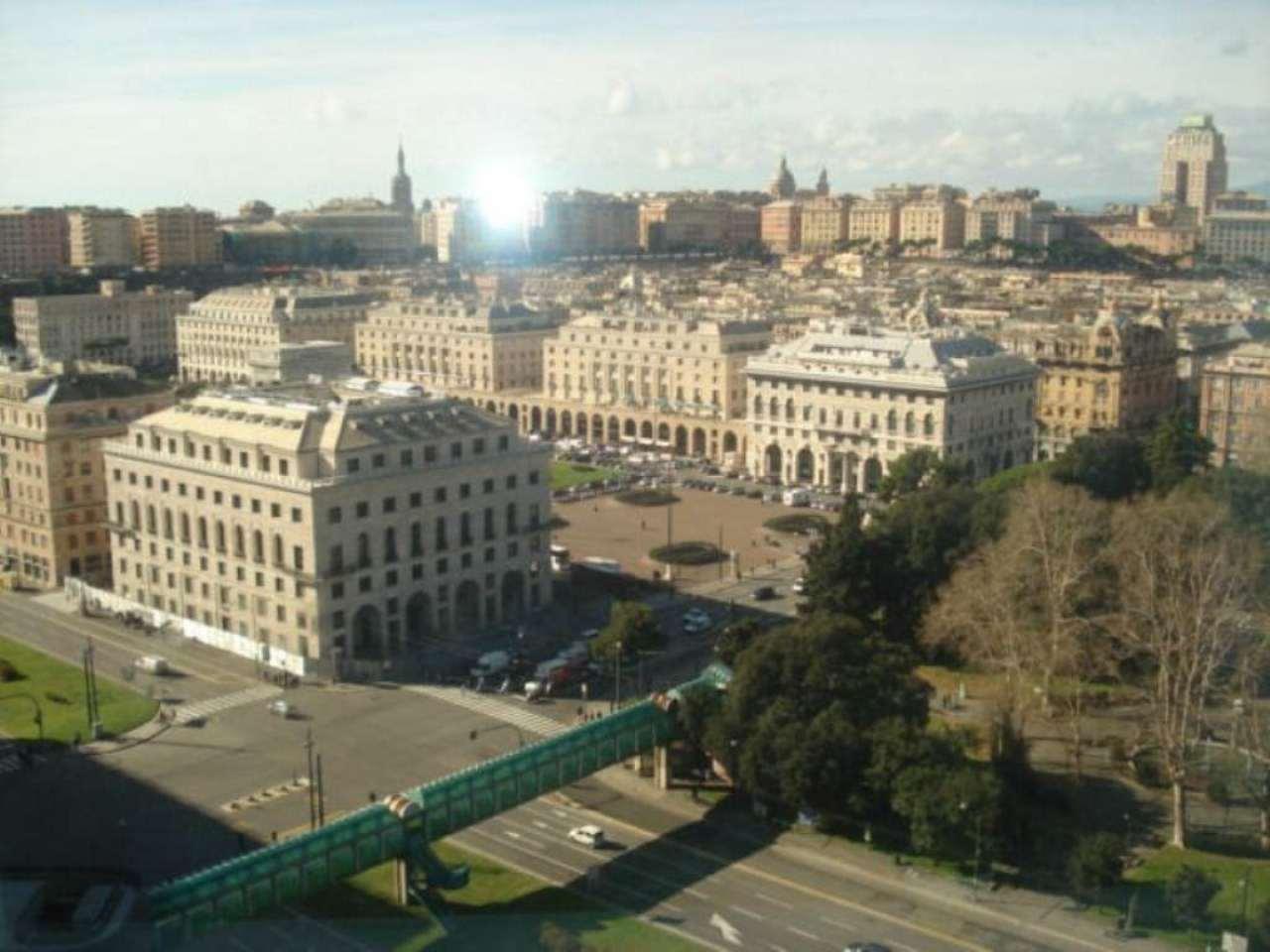 Bilocale Genova Via Duca D'aosta 12