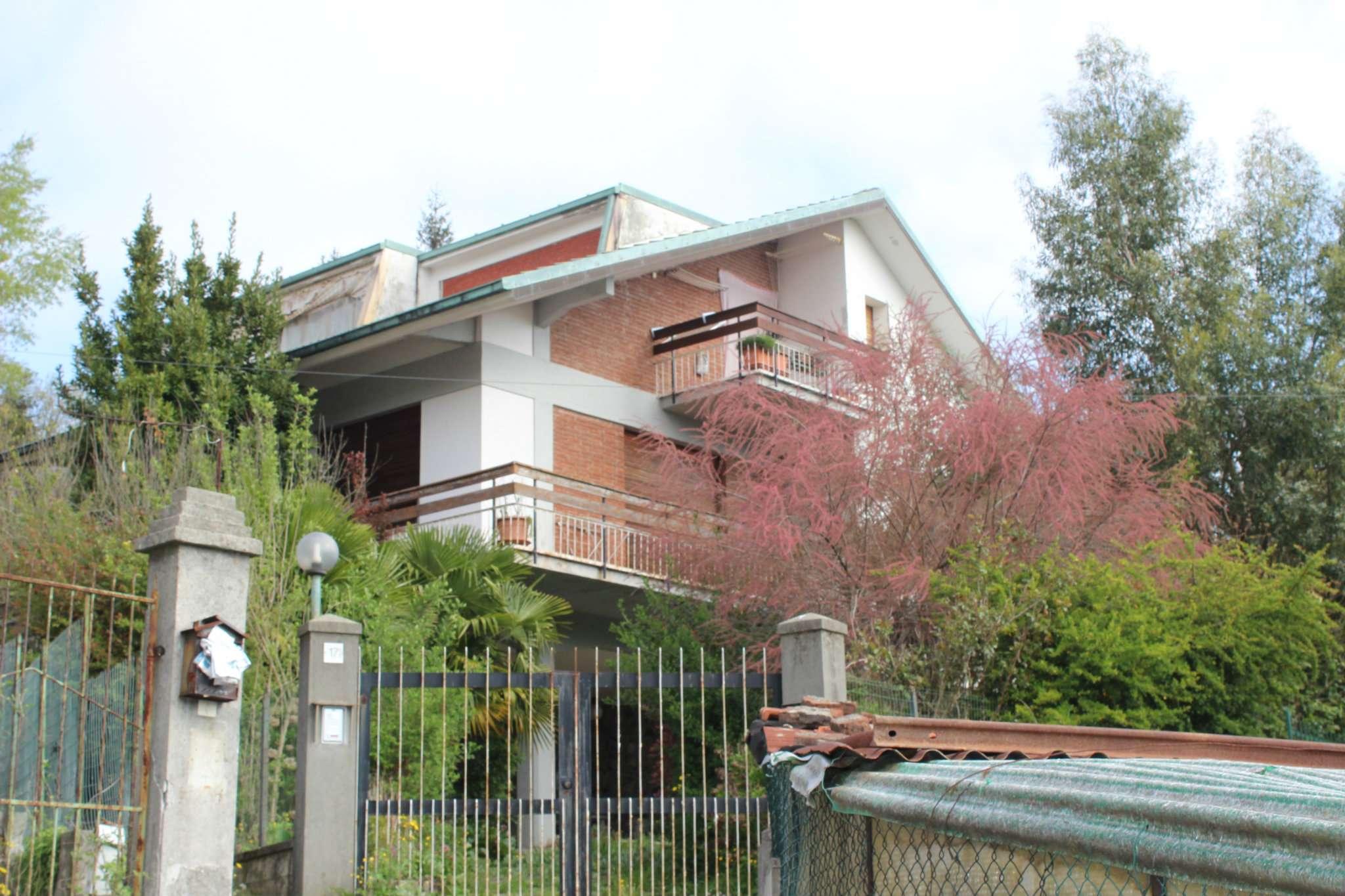 Soluzione Indipendente in vendita a Busalla, 12 locali, prezzo € 340.000 | Cambio Casa.it