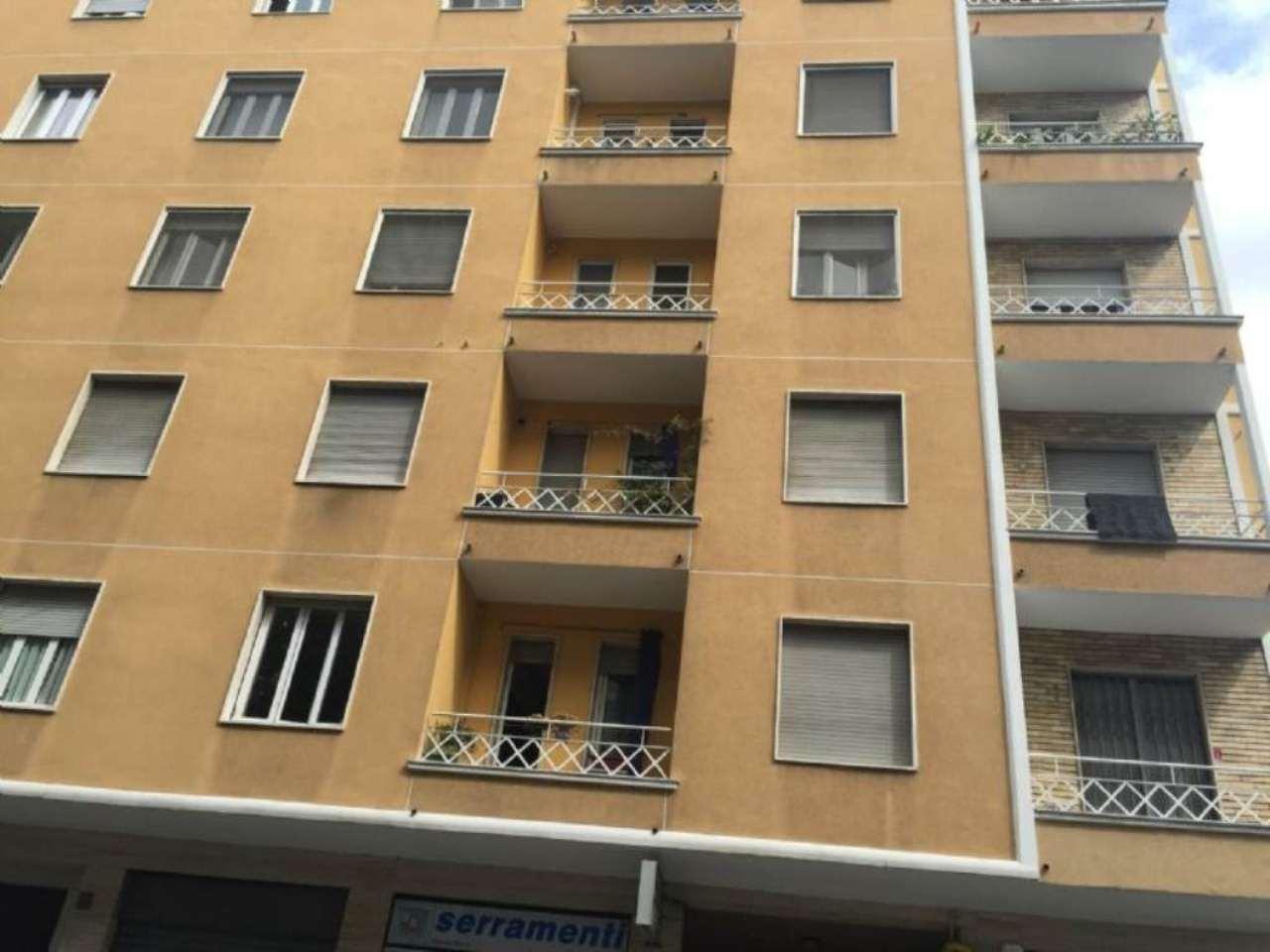 Bilocale Milano Via Pirandello 8