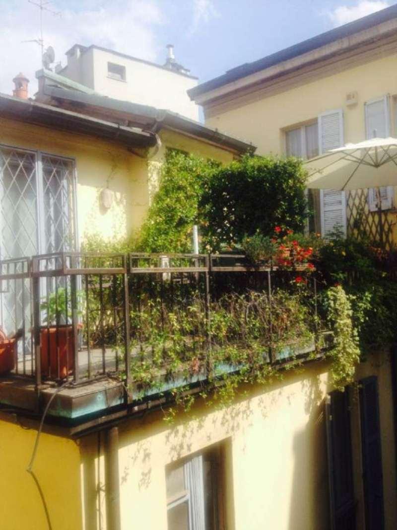 Bilocale Milano Via Medici 2