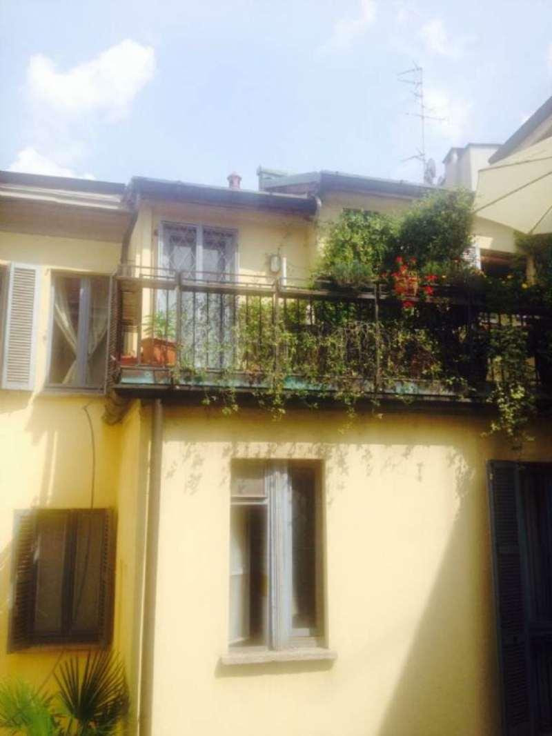 Bilocale Milano Via Medici 1