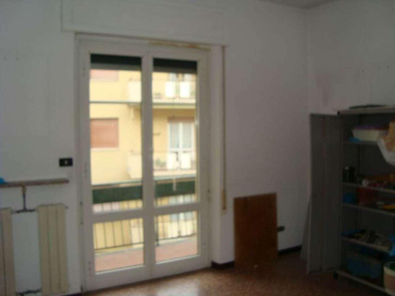 Bilocale Genova Via Bordighera 2