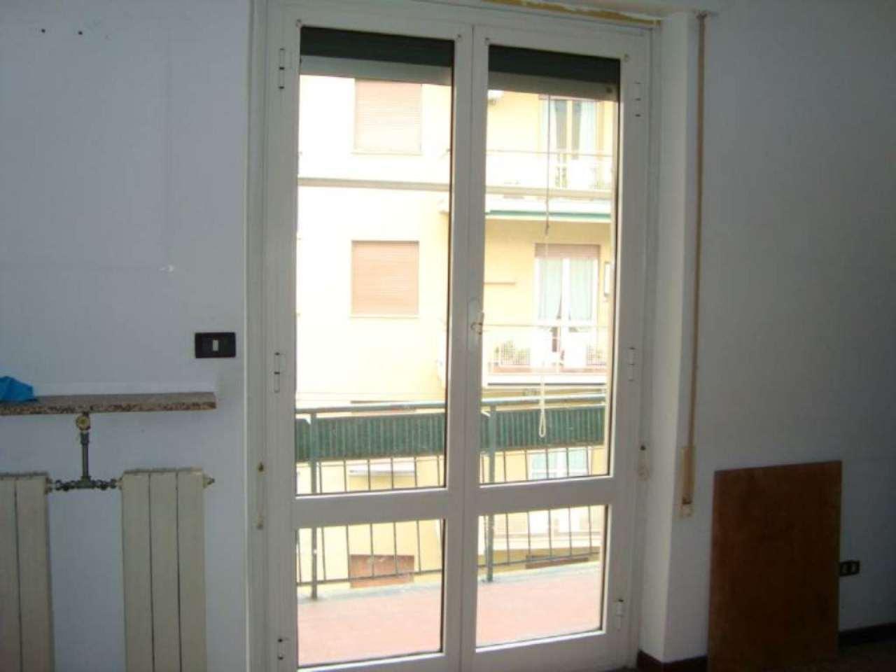 Bilocale Genova Via Bordighera 10