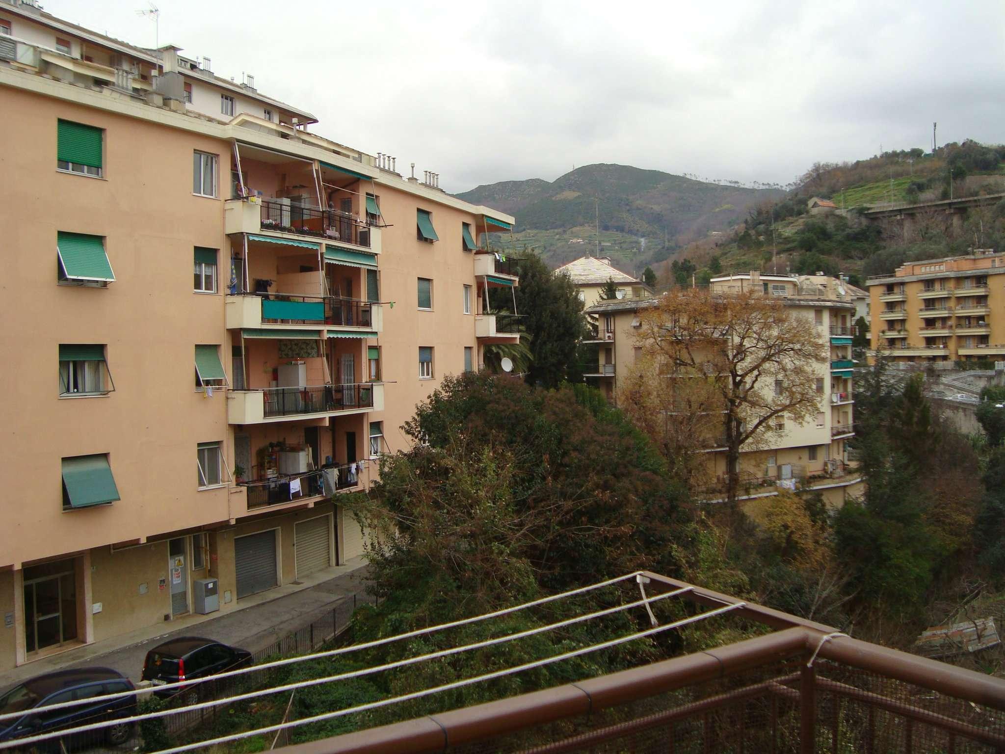 Bilocale Genova Via Della Torrazza 12