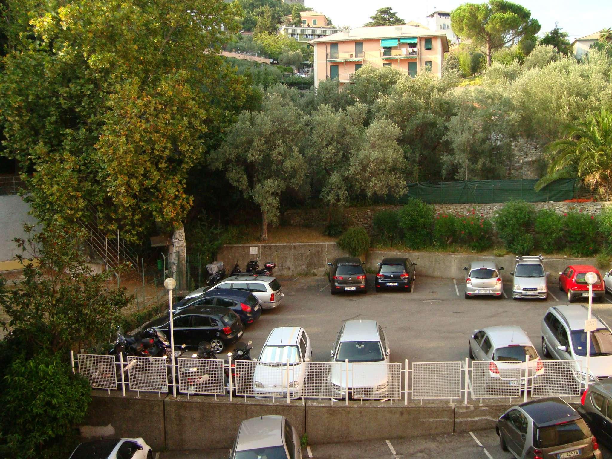 Bilocale Genova Via Razeto 13