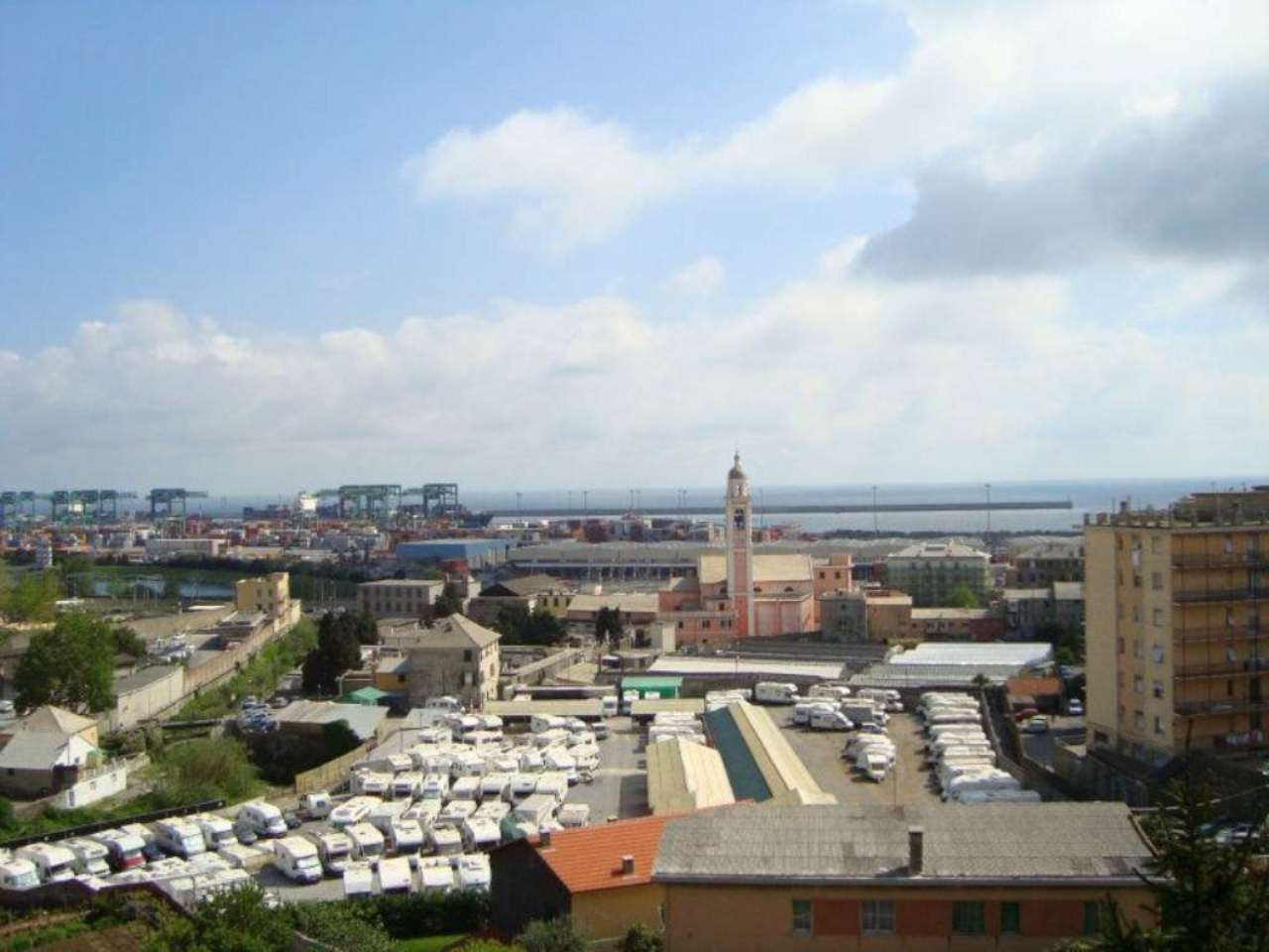 Bilocale Genova Via Murtola 8
