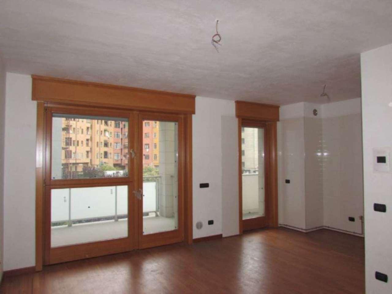 Bilocale Milano Via Tito Livio 2