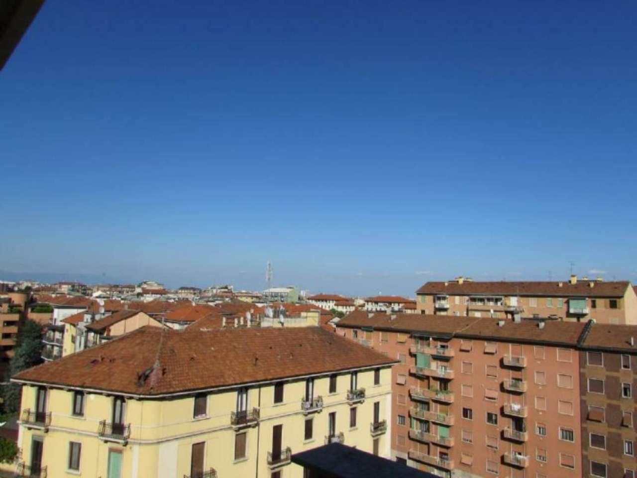 Bilocale Milano Via Edolo 1