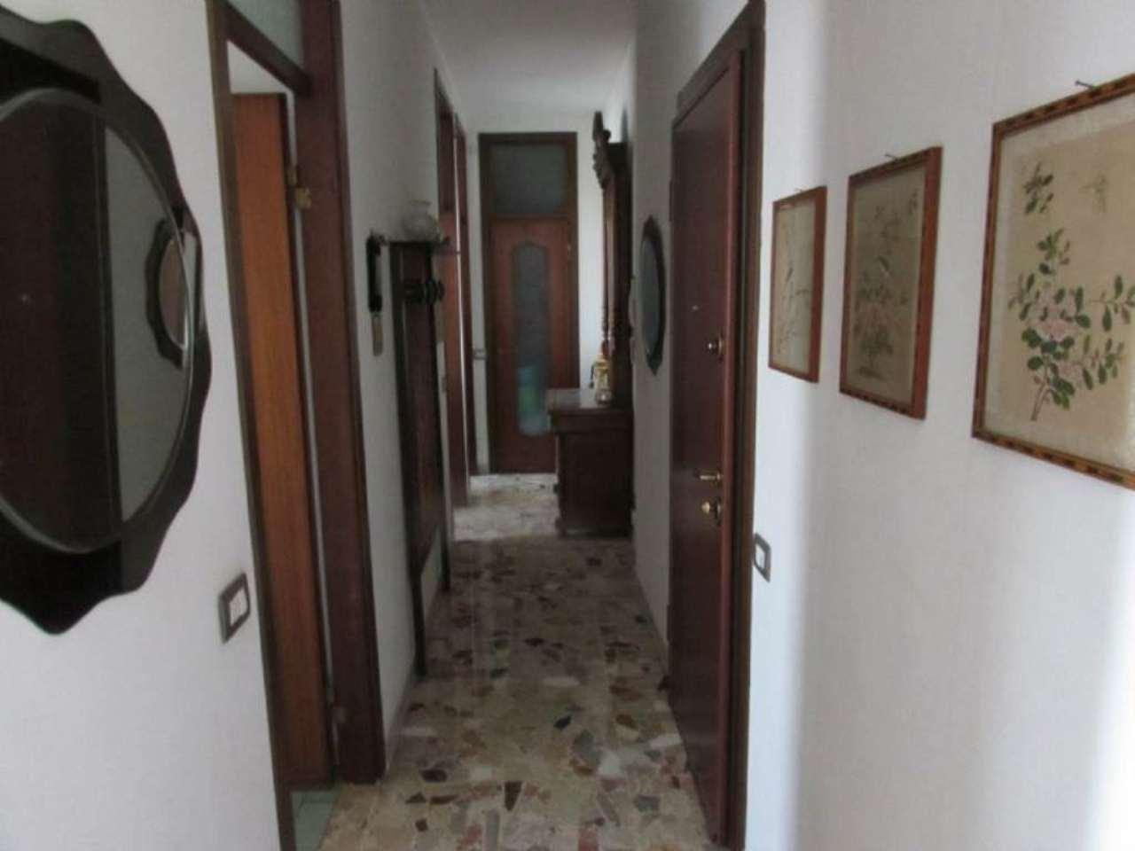 Bilocale Milano Via Edolo 6