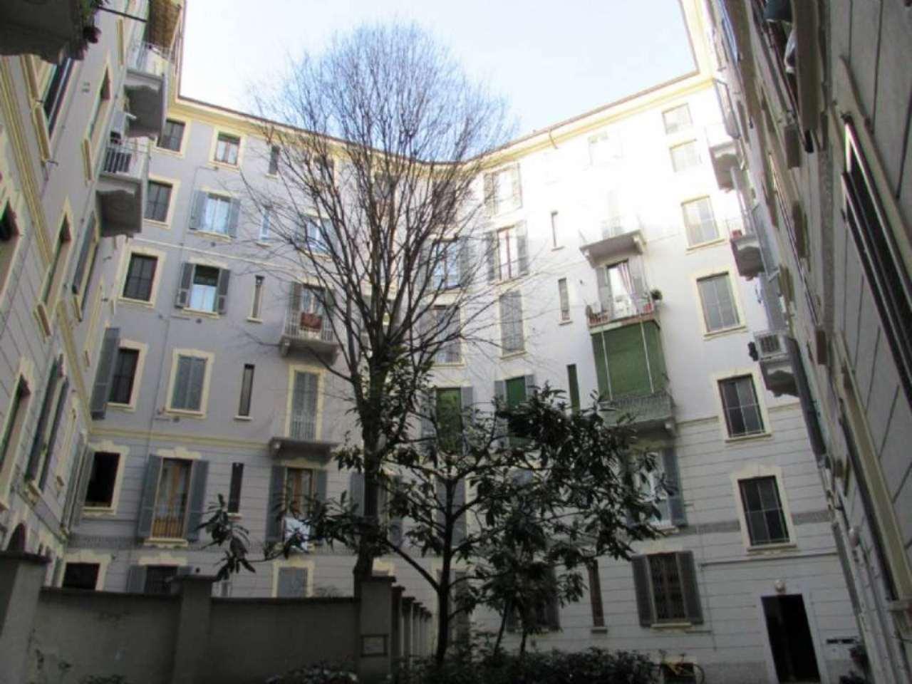 Bilocale Milano Via Edolo 7