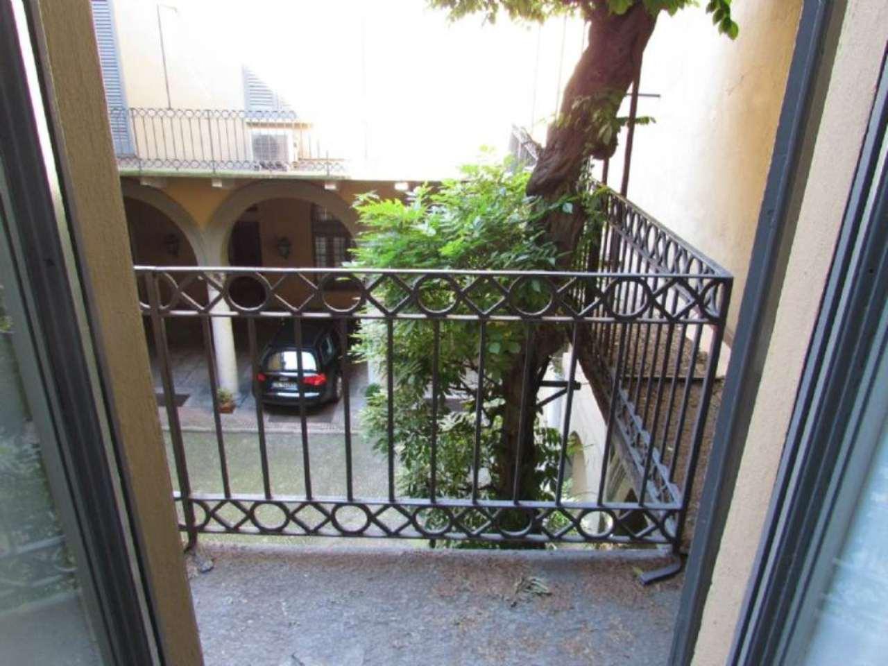 Bilocale Milano Via Bigli 7