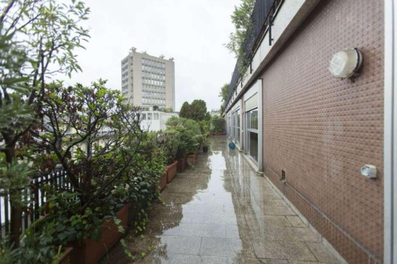 Appartamento in affitto a Milano, 8 locali, zona Zona: 1 . Centro Storico, Duomo, Brera, Cadorna, Cattolica, prezzo € 8.165 | Cambio Casa.it