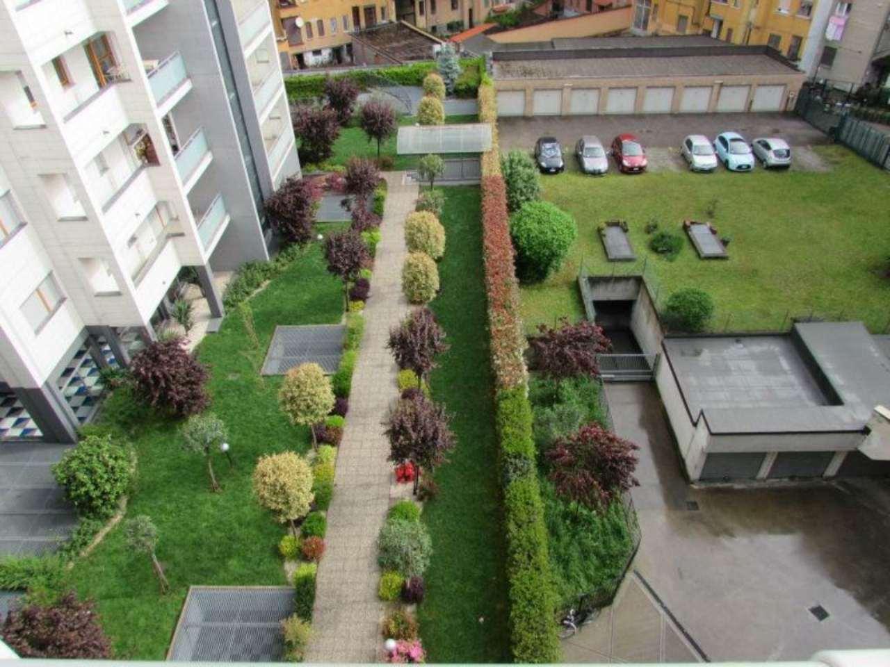Bilocale Milano Via Tito Livio 4