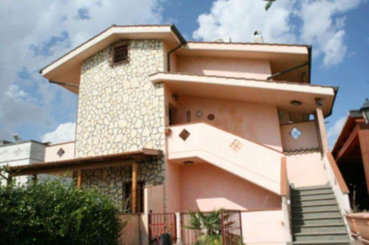 Villa in vendita a Monte Compatri, 4 locali, prezzo € 285.000   Cambio Casa.it
