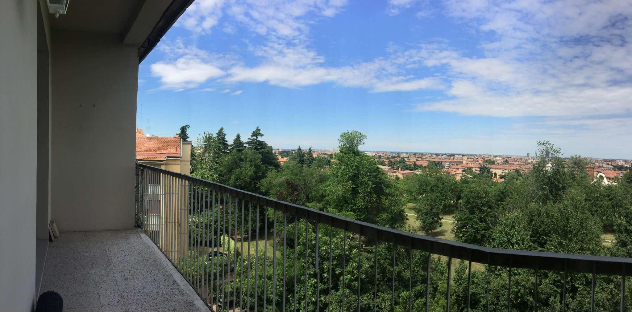 Bilocale Bologna Via Molinelli 4