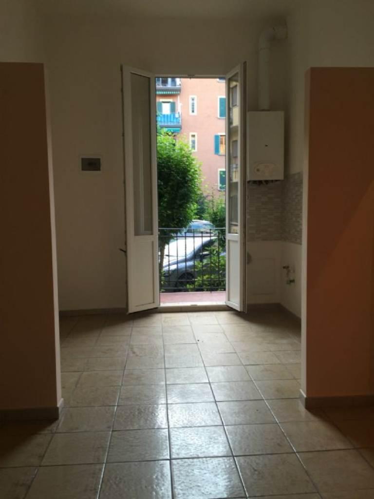 Bilocale Bologna Via Vittorio Veneto 11