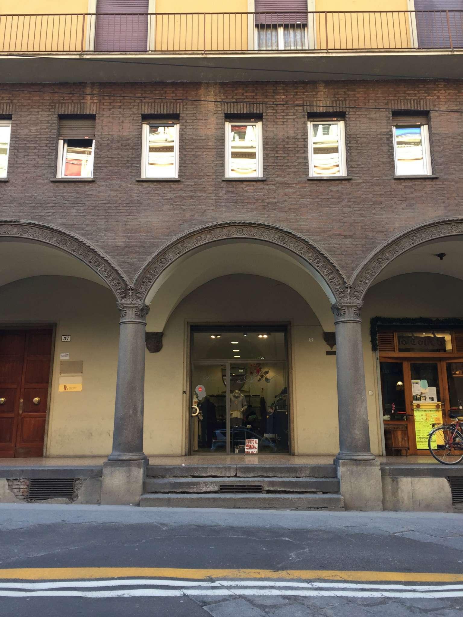 Attività / Licenza in vendita a Bologna, 9999 locali, zona Zona: 1 . Centro Storico, prezzo € 40.000 | CambioCasa.it