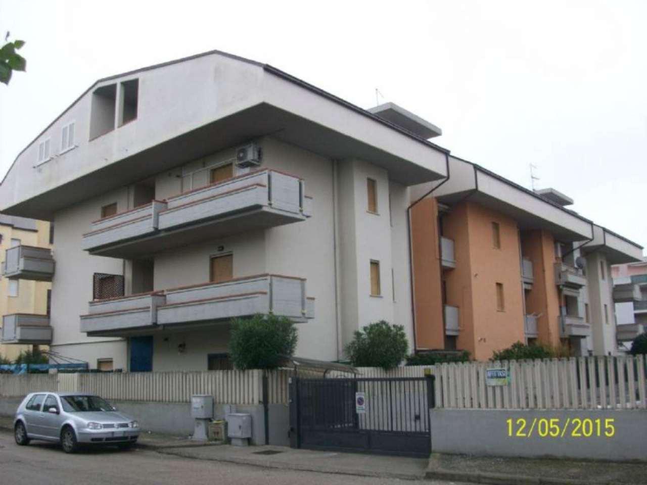 Bilocale Martinsicuro Via Francesco Baracca 4