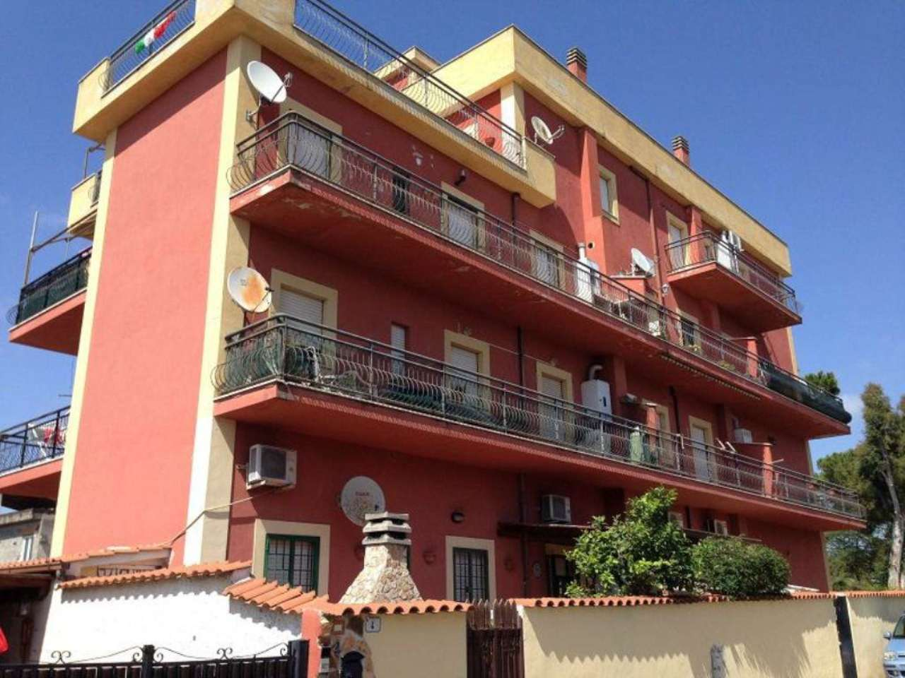 Bilocale Ardea Via Napoli 10