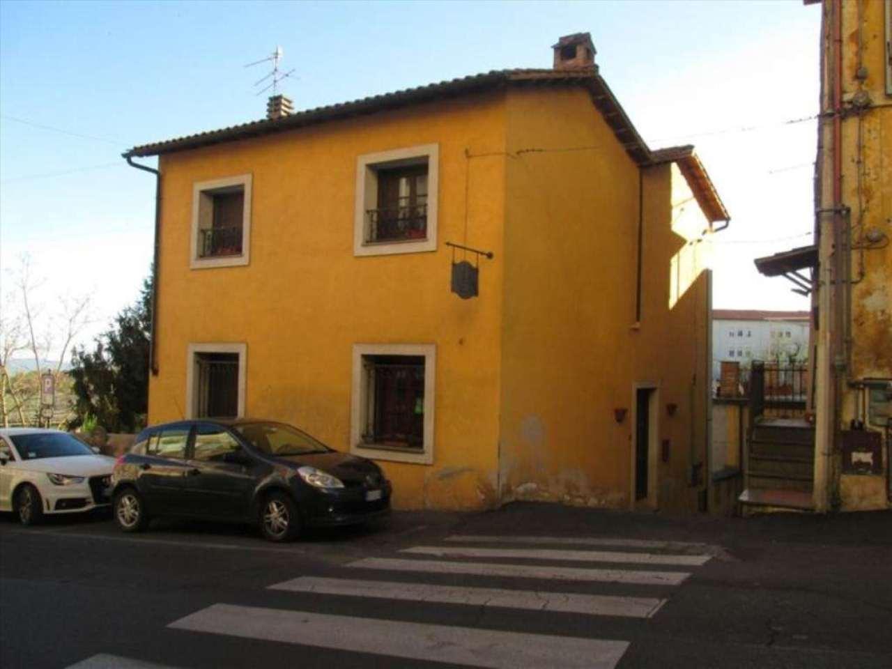 Bilocale Caprarola Via  Milazzo 1