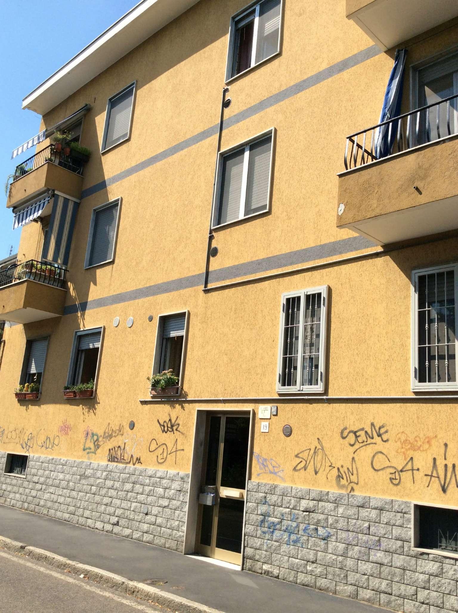 Bilocale Corsico Via Carlo Porta 9