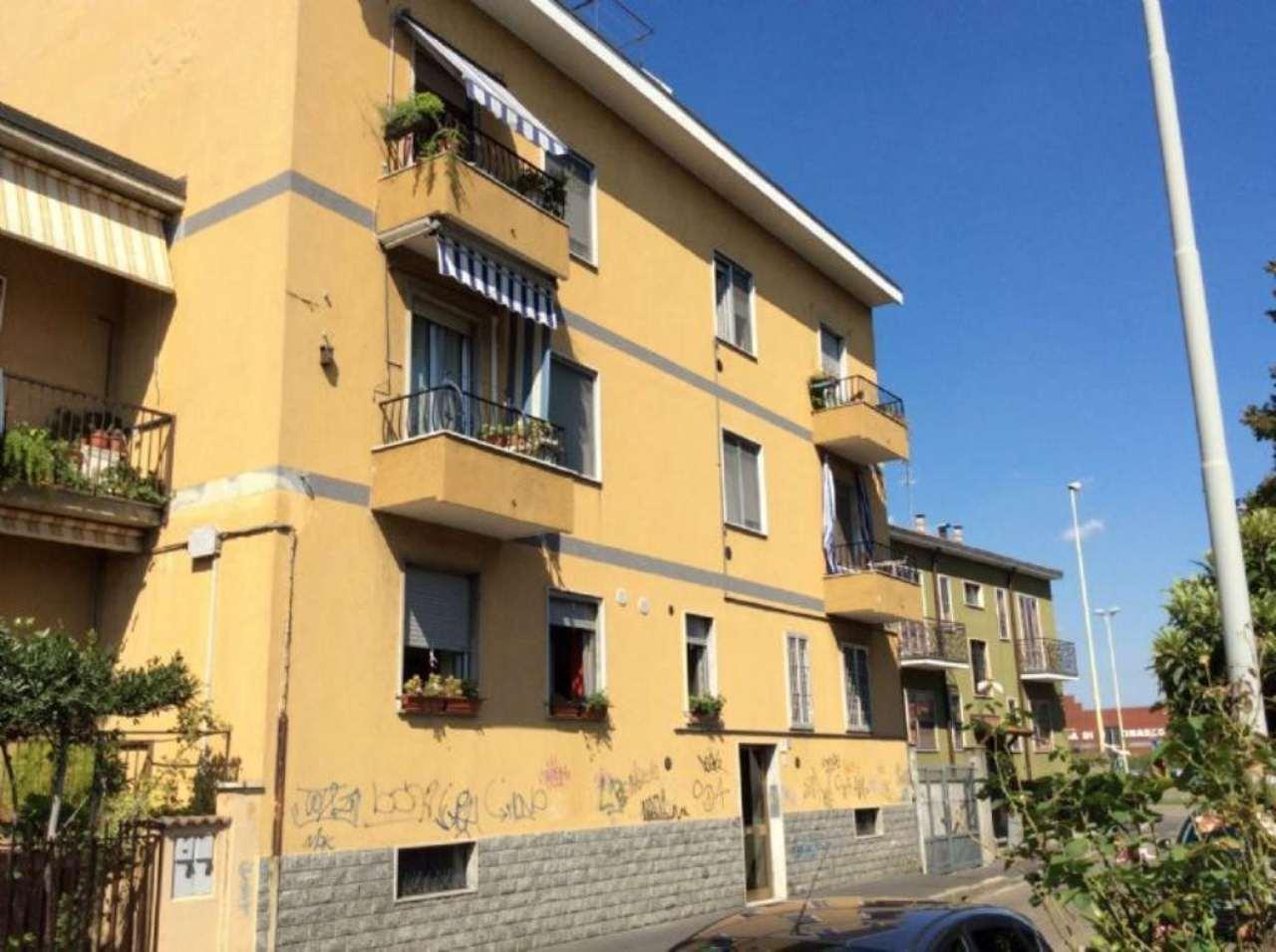 Bilocale Corsico Via Carlo Porta 10