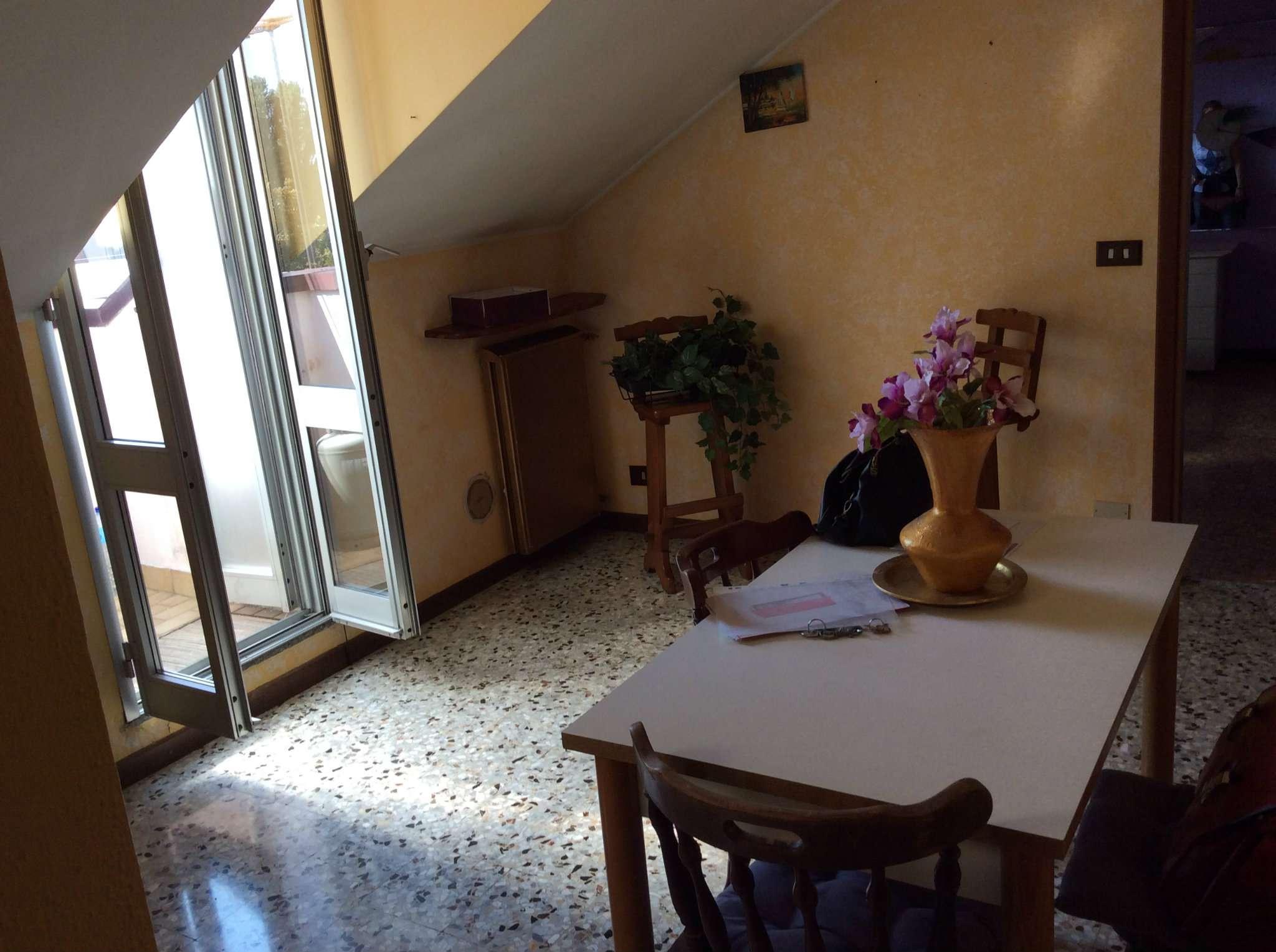 Bilocale Corsico Via Carlo Porta 1
