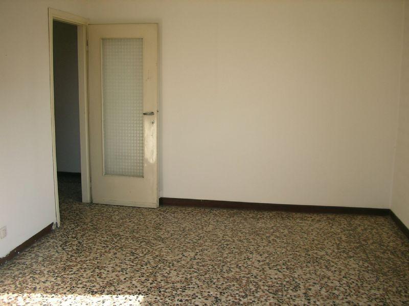 Bilocale Cologno Monzese Viale Emilia 3
