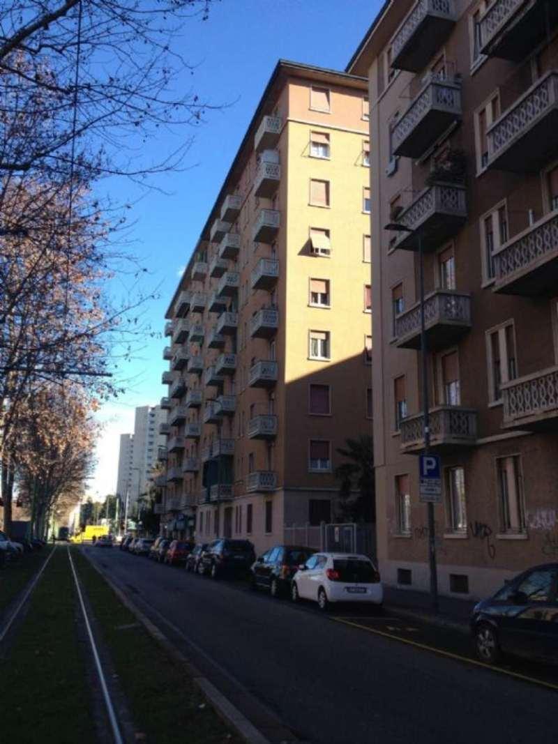Bilocale Milano Viale Fulvio Testi 1