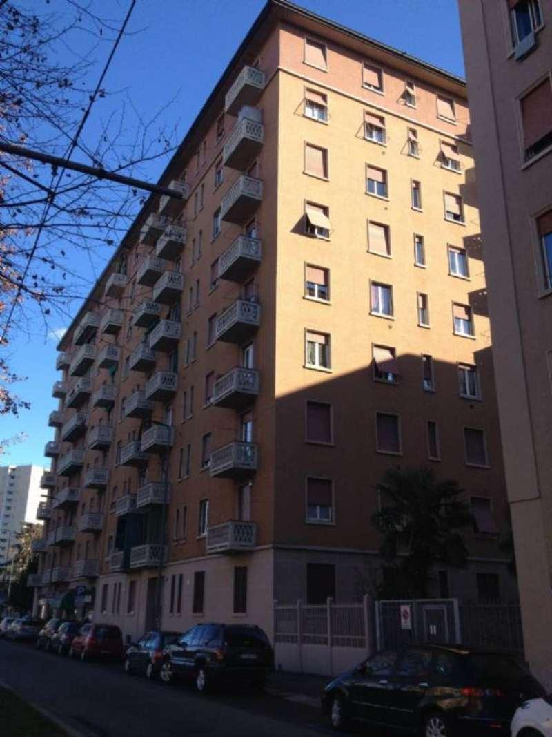 Bilocale Milano Viale Fulvio Testi 6