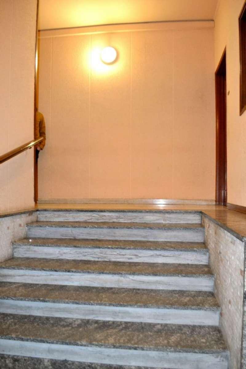 Bilocale Bollate Via Garibaldi 10