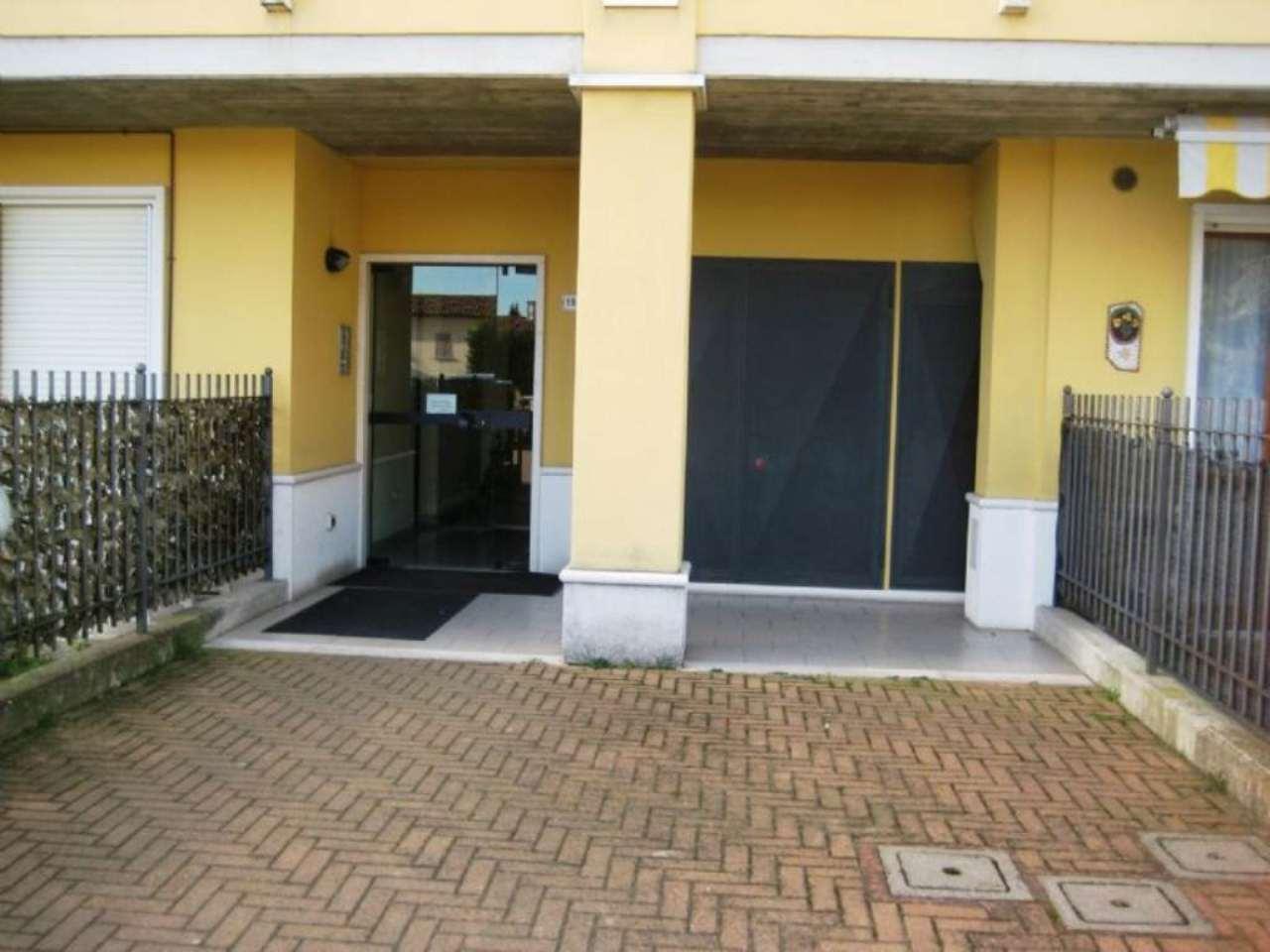 Bilocale Sant Angelo Lodigiano Via Cavour Camillo Benso 10